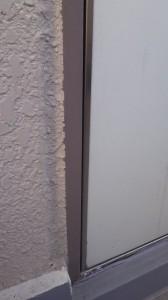 玄関ドア 隙間