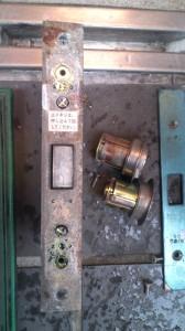MIWA 自動ドア鍵交換5